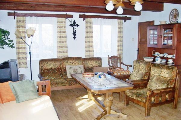 Chaty a chalupy k pronajmutí - Chalupa v Petrovicích - pokoj